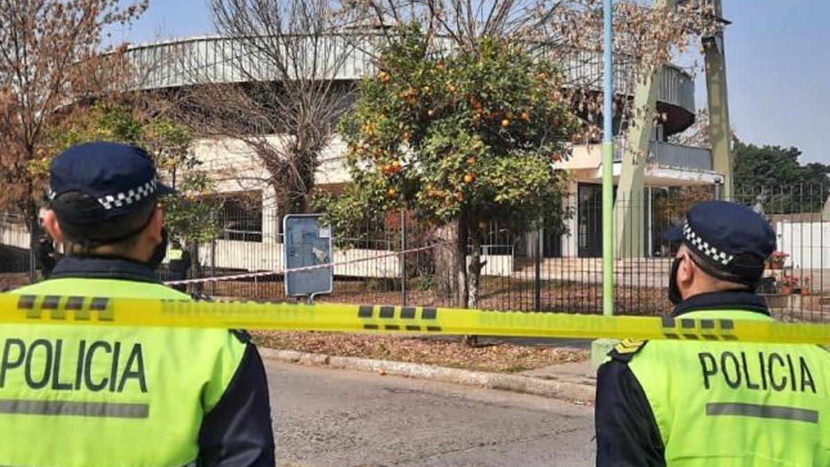 Una mujer entregó un cuchillo a la Policía: investigan si se usó para matar a un sacerdote en Tucumán