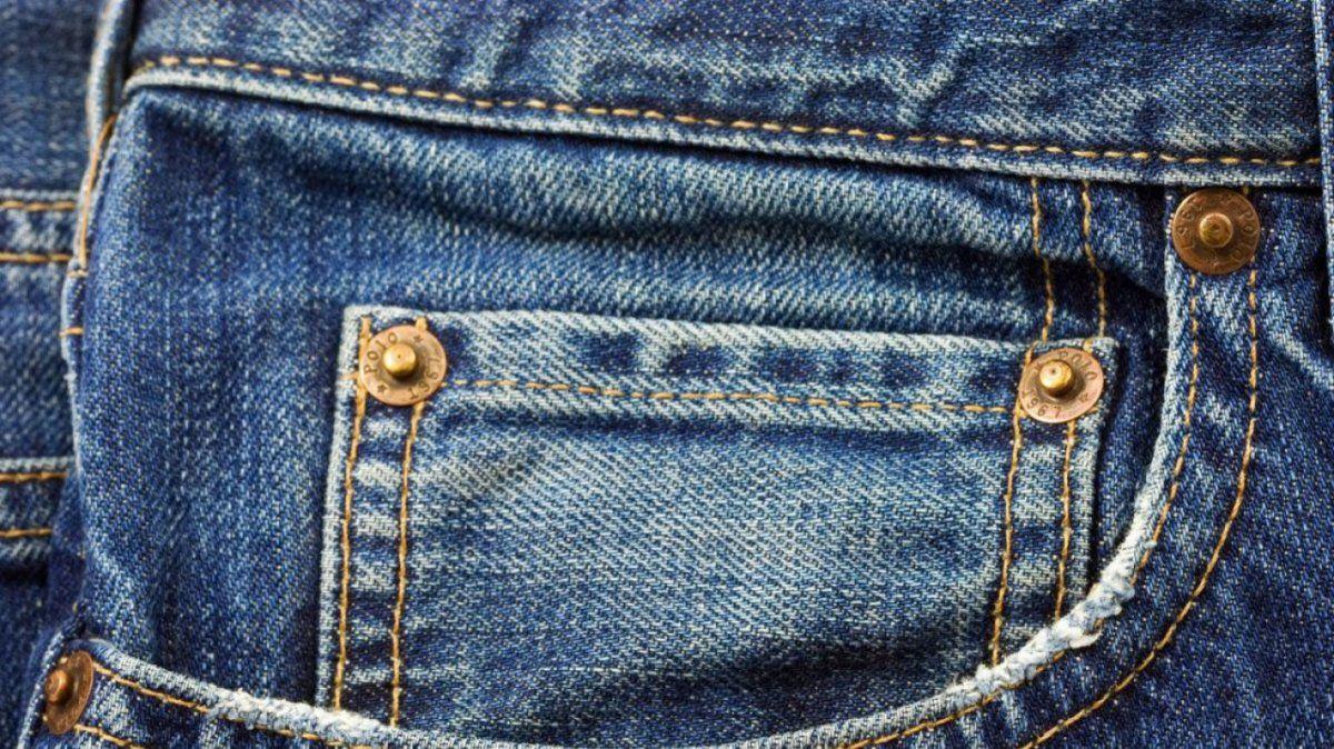Descubrieron para qué sirven los botones chiquitos de los bolsillos del jean