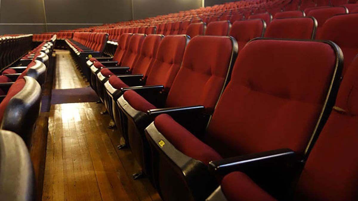Después de cuatro meses, este lunes reabren teatros y museos en Uruguay