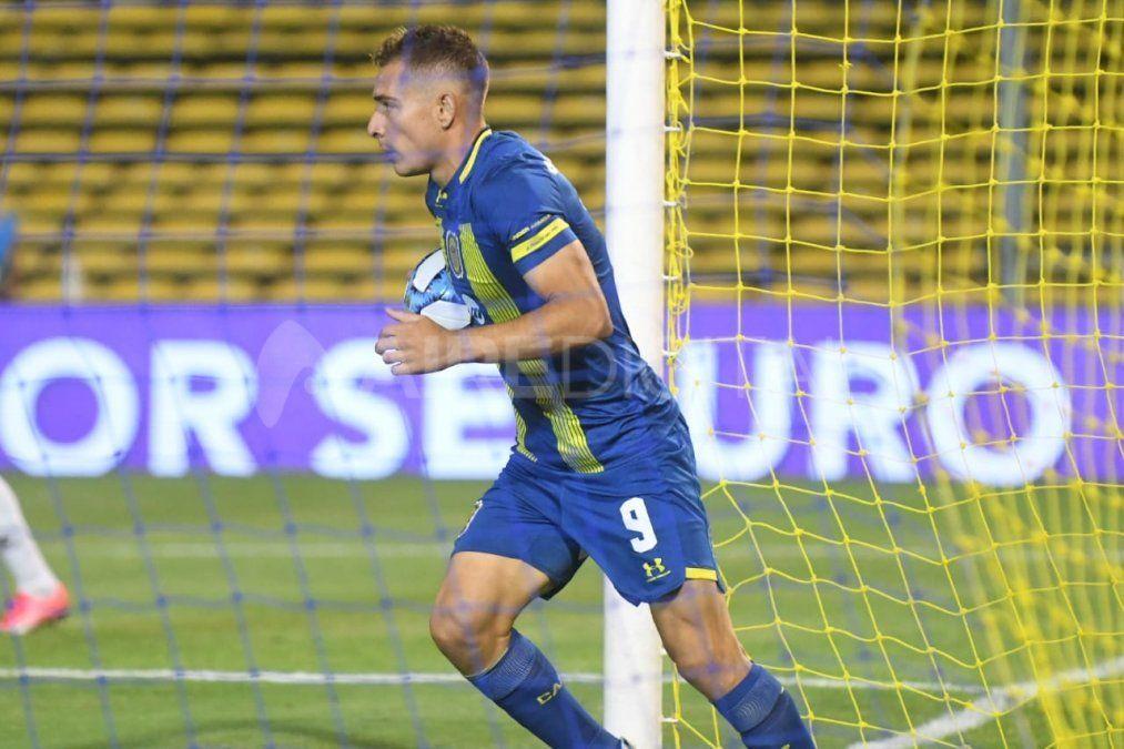 A Marco Ruben se le venció el contrato el 30 de junio y todavía no definió si seguirá jugando en Rosario Central.