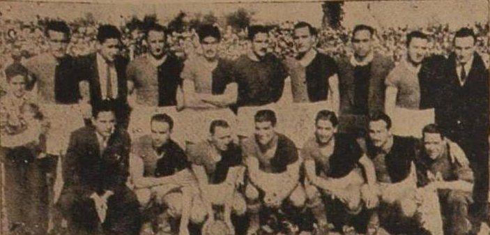 El plantel de Colón posa el día de la victoria en el primer clásico por Torneos de AFA. El técnico sabalero era Ignacio Rotta.