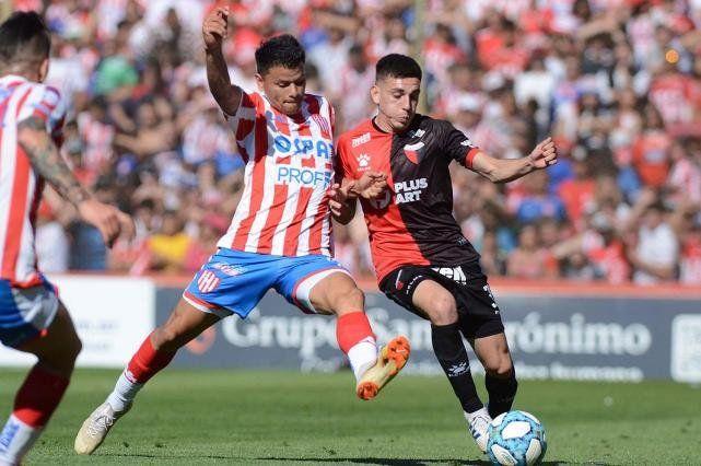 Por Torneos de AFA Regulares y No Regulares, Colón y Unión disputaron entre 1948 y 2019, 92 encuentros.
