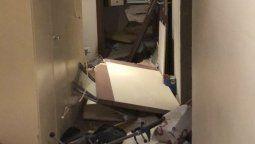 LaCancilleríainformó hoy que el edificio donde se encuentra la EmbajadaargentinaenBeirutfue gravemente dañado en su interior.