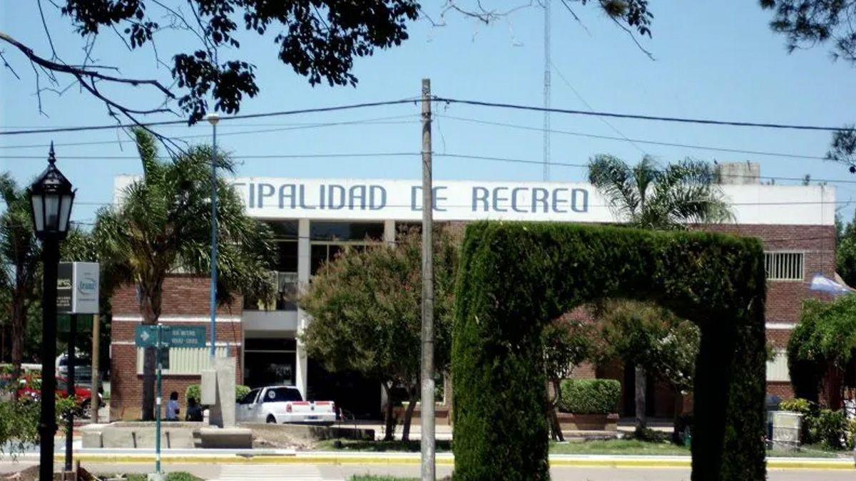En Recreo se desarrollaba un encuentro con mucha concurrencia de personas en un domicilio de callesMateo Booz y Rivadavia.
