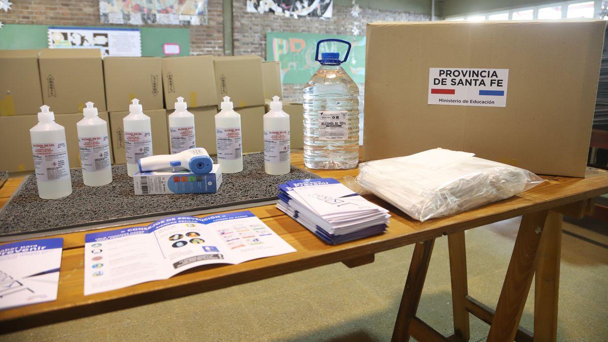 Los kits serán distribuidos desde la próxima semana en las delegaciones regionales de Educación I (Tostado), II (Reconquista), VIII (San Jorge), IX (San Cristóbal) y parte de la IV (Santa Fe).
