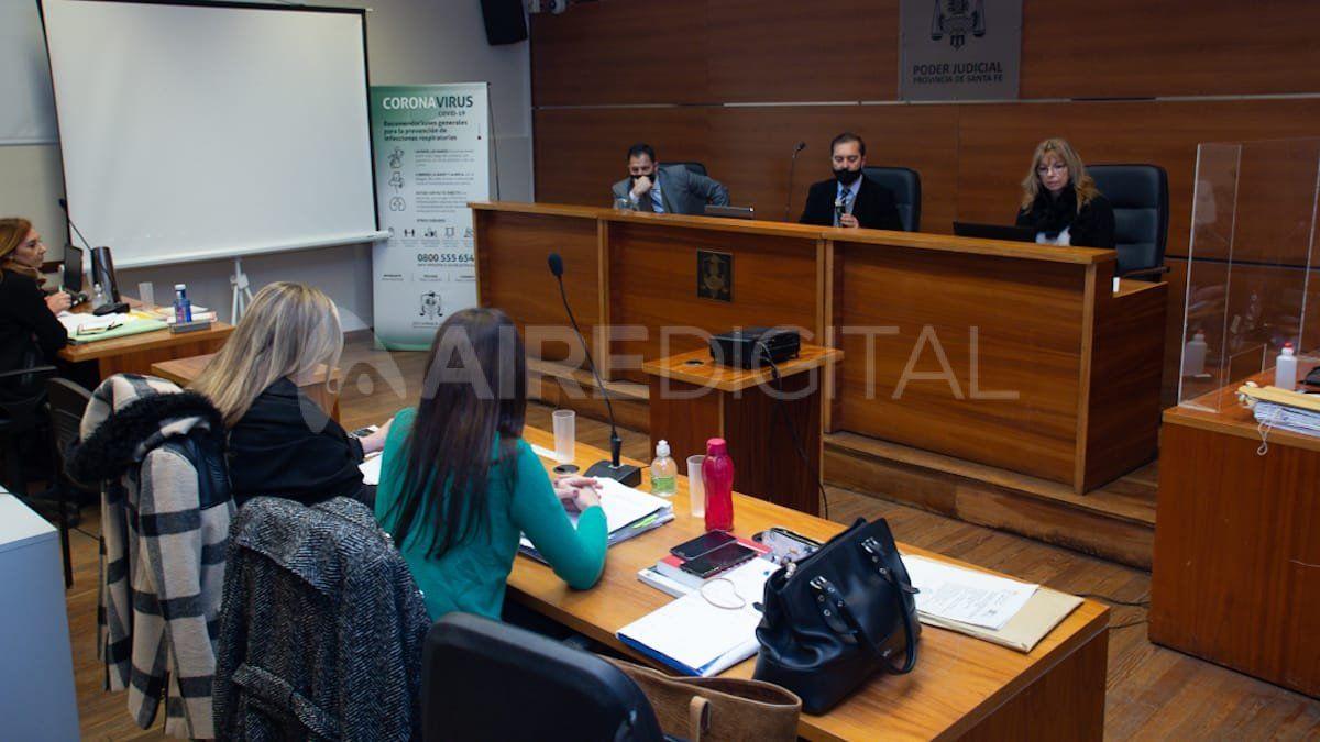 Los jueces Urdiales, Mingarini y Carrara llevan adelante el debate que se desarrolla en la sala 1 de tribunales
