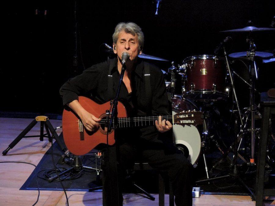 El cantautor Roque Narvaja recordó en Aire de Santa Fe los orígenes de algunos de sus históricos temas.