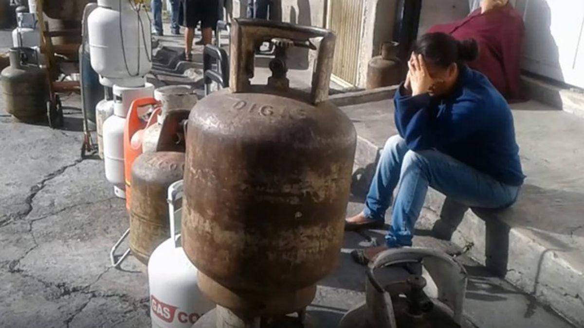 El consumo nacional es de 52 mil barriles de gas licuado diariamente y sólo se estaban generando ocho mil hasta el viernes 11 de septiembre cuando se paralizó en su totalidad la producción nacional.