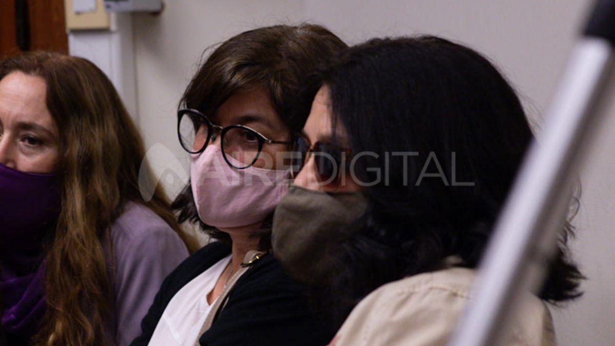 Silvia y familiares de Vanesa Castillo, en la audiencia donde se condenó a Cano por el femicidio