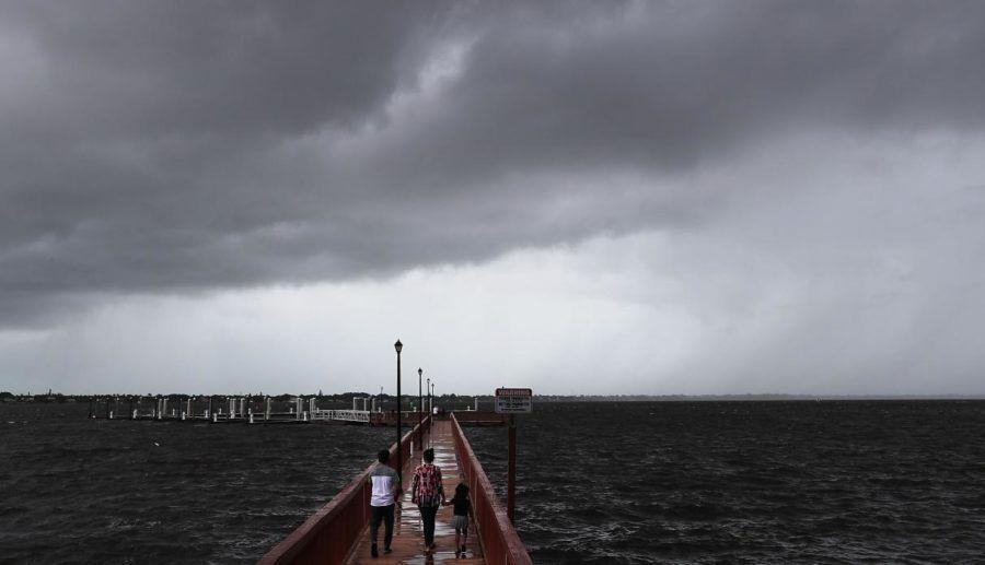 Dorian llegaría a la costa este de Florida este martes a la noche.