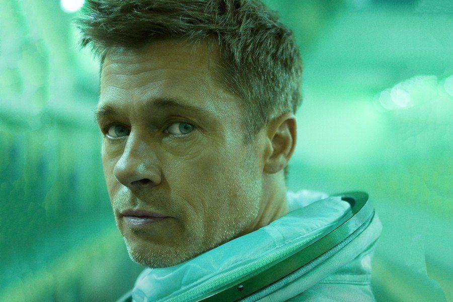 En la película, Pitt interpreta a un astronauta que viaja por el Sistema Solar en busca de su padre. El filme incluye tomas reales de la Luna y de Marte hechas por la Nasa.