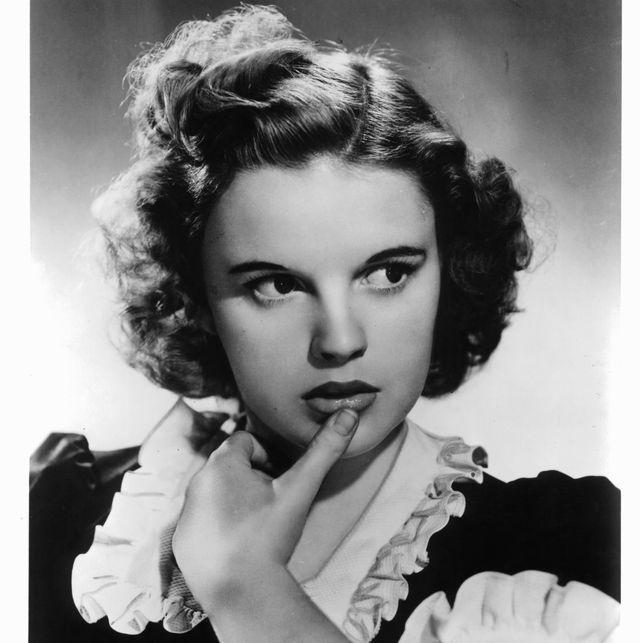 Judy Garland: cómo la trágica vida de la actriz la convirtió en un ícono gay