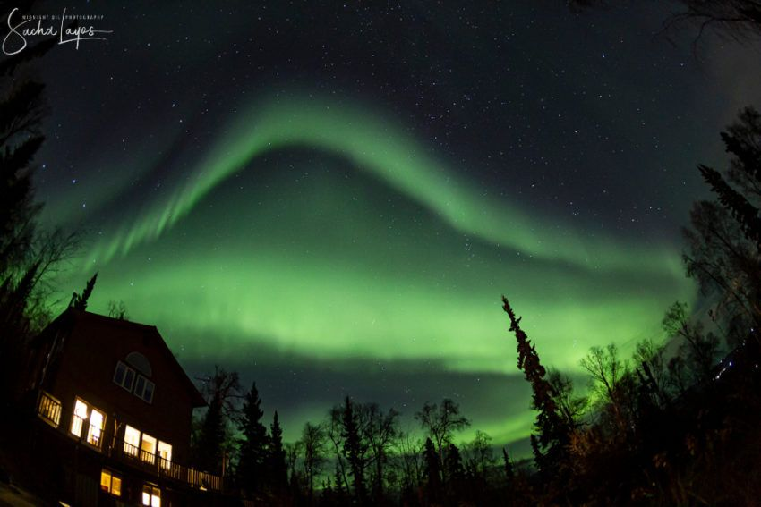 Auroras boreales sobre la ciudad de Fairbanks, Alaska, Estados Unidos. Créditos: Sacha Layos