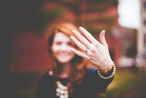 Anillos de promesa: la nueva tendencia para mostrar amor y compromiso