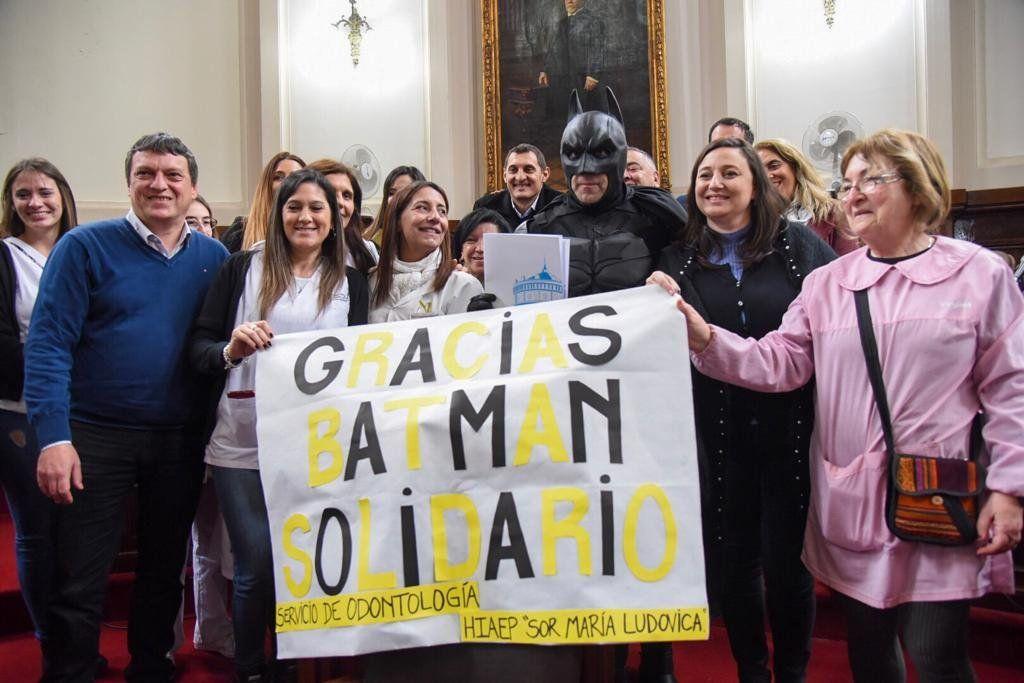 Resultado de imagen para Batman Solidario