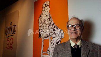 Joaquín Quino Lavado en una fotografía del 27/04/2004. En esa ocasión, el dibujante y humorista inauguró la foto el dibujante y humorista gráfico inaugura la muestra homenaje a sus 50 años de trabajo, en el Palais de Glace.