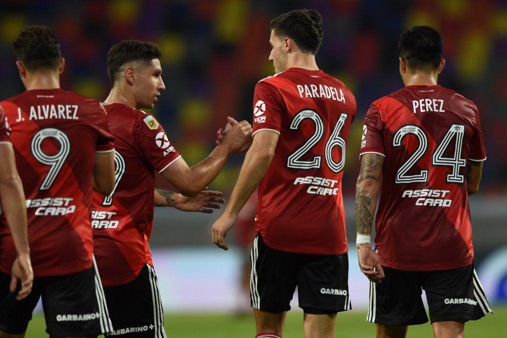River goleó en Santiago y se consolida en los puestos de clasificación.