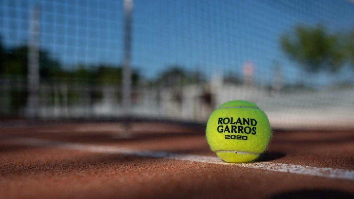 La Fiscalía de París investiga para determinar si existió un arreglo de partido en el dobles entre Andreea Mitu y Patricia Maria Tig ante Madison Brengle y la rusa Yana Sizikova.