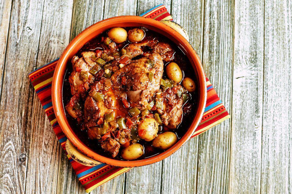 Pollo a la portuguesa con verduras.