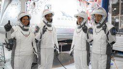SpaceX lanza su primer vuelo operativo con astronautas este sábado. La tripulación estará seis meses en la Estación Espacial Internacional (EEI).