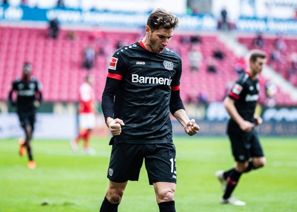 Lucas Alario marcó en la victoria del Bayer Leverkusen.