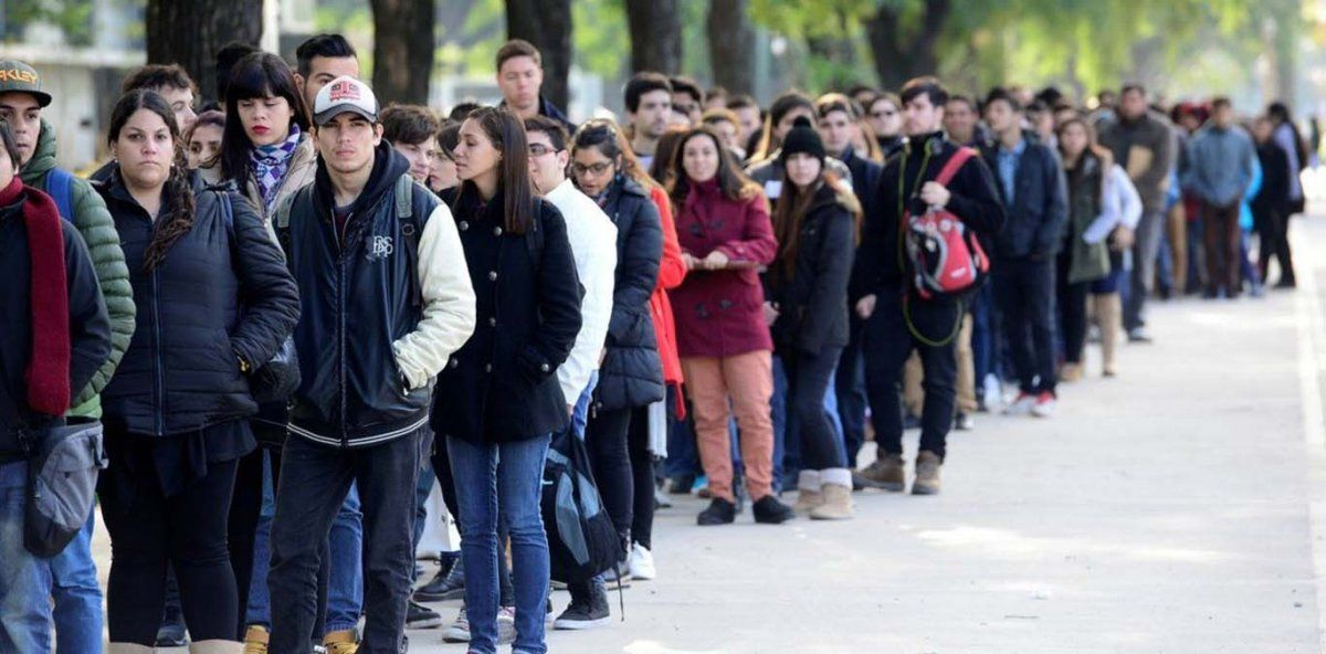 Un 35% de los argentinos piensa que el mayor problema del país es la desocupación.