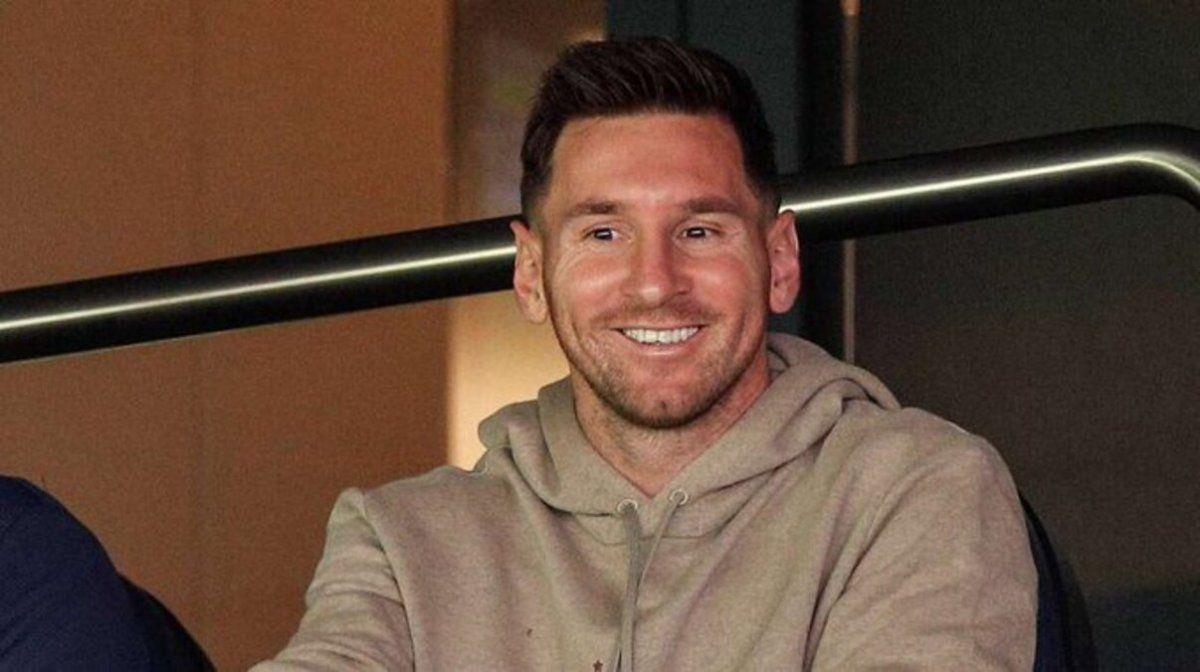 Paris Saint Germain goleó a Clermont con Messi en la platea