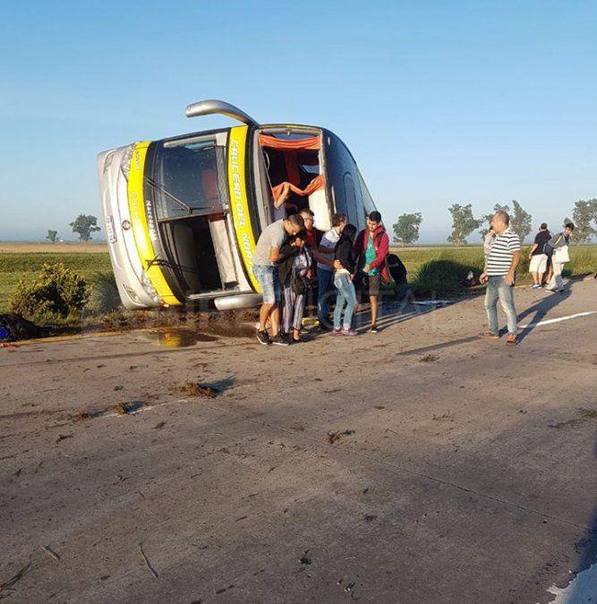 Volcó un micro con pasajeros en Sa Pereira