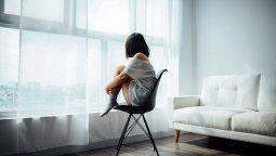 Los psicólogos Maximiliano Mó, Laila Tomas y Cecilia Nelli brindaron su opinión sobre cómo influye en la salud mental la soledad, a causa del aislamiento.