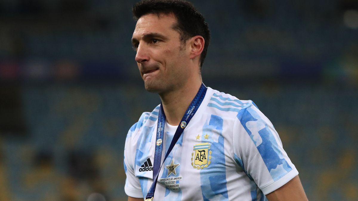 Lionel Scaloni brindó detalles de la experiencia que vivieron a minutos de salir al campo de juego del Maracaná. También se refirió a las críticas del periodismo y al deseo de Gallardo de dirigir a la Argentina.