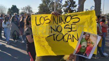 Los niños no se tocan, repitieron los habitantes de Rincón esta tarde en la movilización.