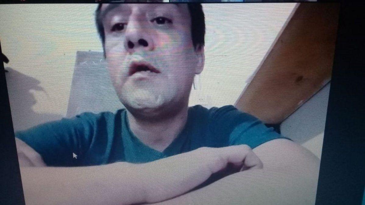 El padrastro del niño declaró en por videoconferencia en la audiencia que mantuvo su prisión preventiva