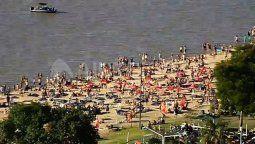 """""""También coincidimos en que desde este fin de semana se realizarán operativos conjuntos entre Provincia y Municipio en los principales lugares de concentración pero sobre todo en las playas"""", anunció el titular del Ejecutivo santafesino."""