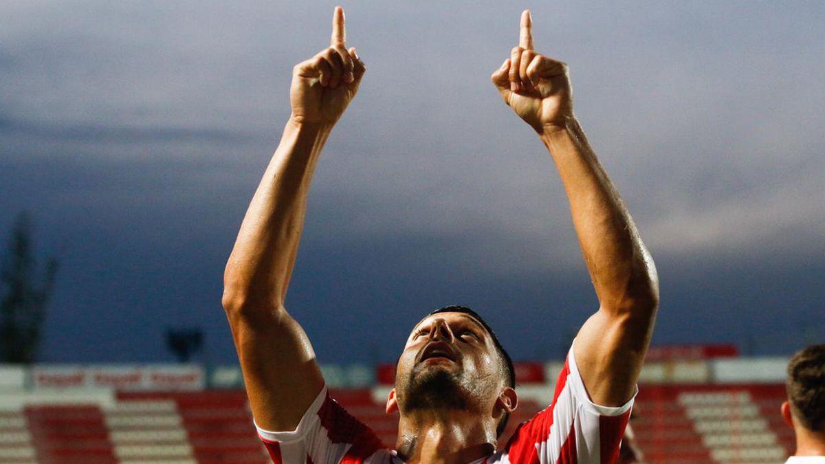 Unión venció 3-2 a Lanús con un doblete de Juan Manuel García y un gol sobre el final de Daniel Juárez. El Tatengue ganó por primera vez en la Copa de la Liga.