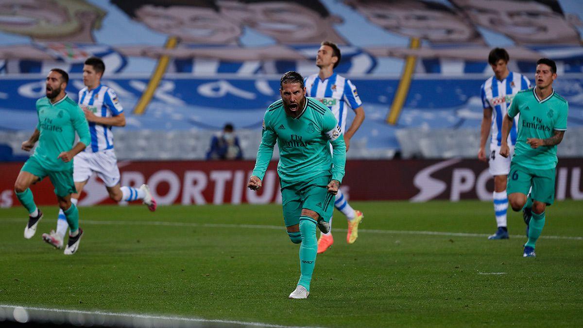 Sergio Ramos grita su gol de penal