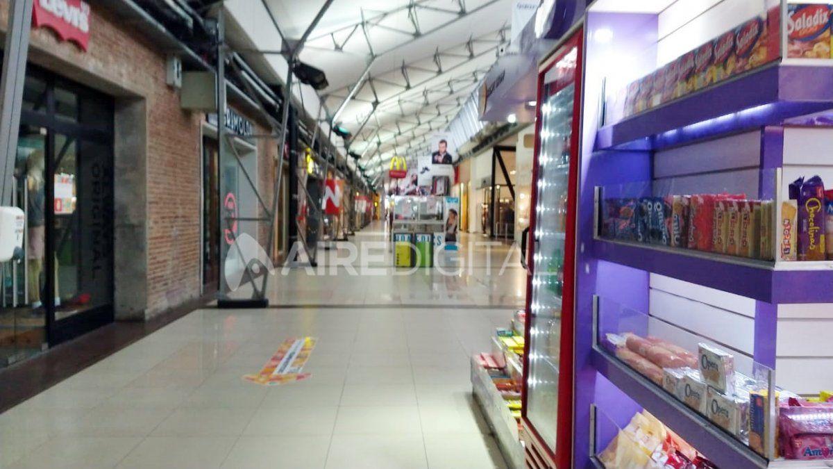 El Concejo pide que se reabran los locales de los centros comerciales