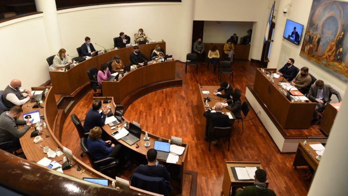 El Concejo municipal de Santa Fe declaró la emergencia en el transporte y congeló el precio del boleto de colectivos.