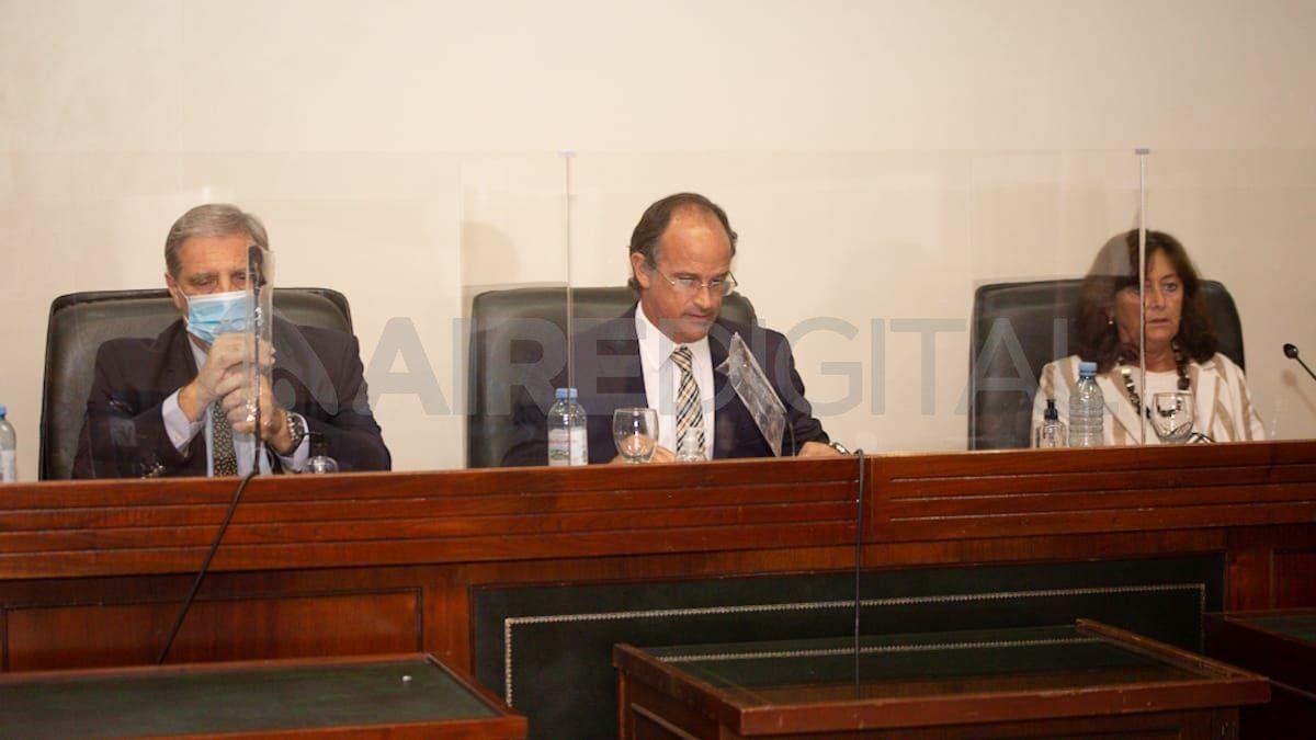 El fallo estuvo a cargo de los jueces Luciano Lauría (centro)