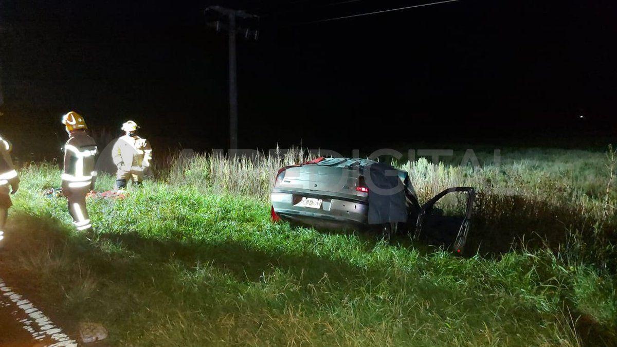 El conductor del auto, identificado como Esteban Navarro, murió en el lugar