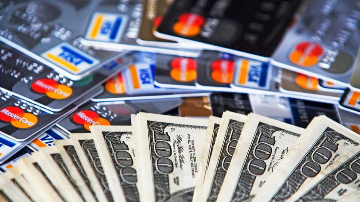 Cepo al dólar tarjeta: los gastos se computarán en el cupo mensual de US$ 200