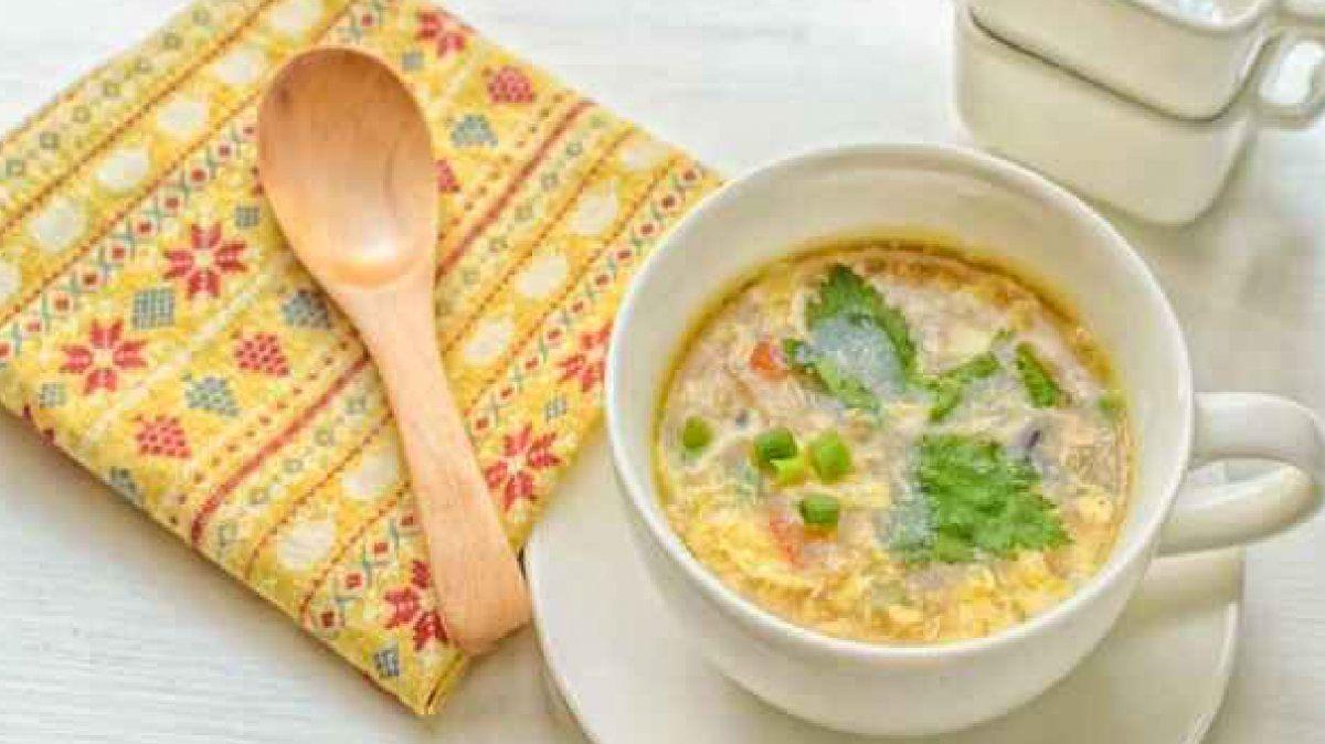 Receta de sopa en dos minutos con un ingrediente que siempre tenes