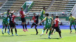 Federico Lértora, Luis Pulga Rodríguez y Christian Bernardi le dieron la victoria a Colón sobre Defensa y Justicia por la Copa de la Liga Profesional.