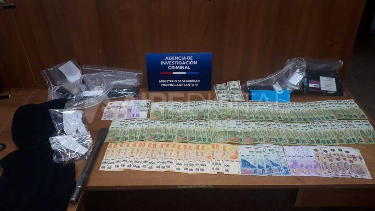 La suma de dinero que fue secuestrada a los hombres que circulaban en una camioneta negra.