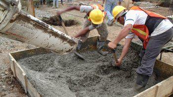 Podría faltar cemento por un conflicto sindical que obligó a Loma Negra a parar sus hornos