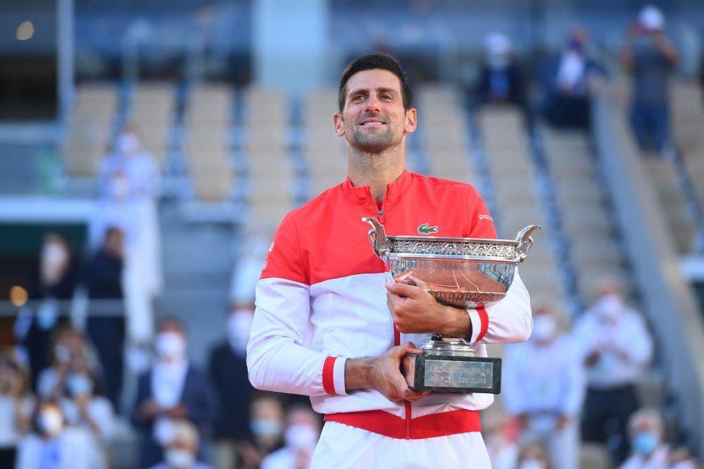 Novak Djokovic volvió a ganar Roland Garros luego de vencer al griego Stefanos Tsitsipas por 6-7 (6-8)