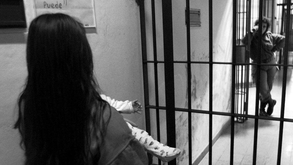 La Corte Suprema resolvió que las mujeres privadas de su libertad tienen derecho a percibir asignaciones familiares por hijo y por embarazo