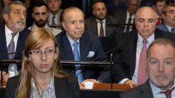 Carlos Menem en los tribunales de Comodoro Py antes escuchar el fallo de la causa por el encubrimiento del atentado a la Amia en la que finalmente fue absuelto. Archivo 2019.