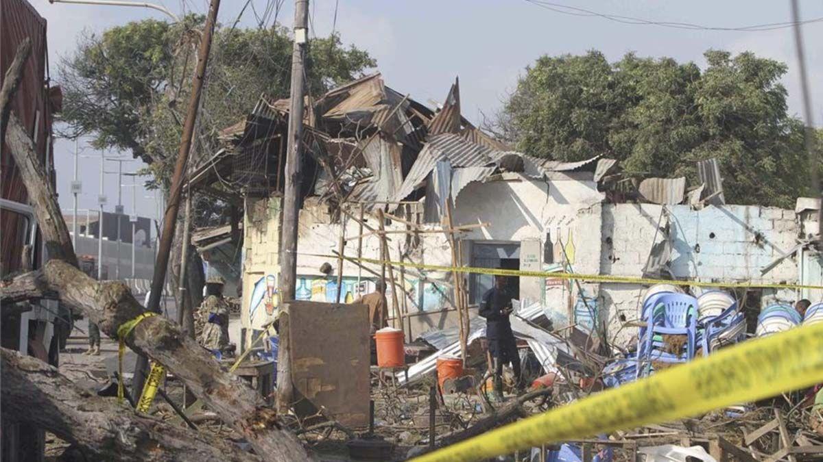 Varios estudiantes murieron al explotar un coche bomba en un atentado en Mogadiscio