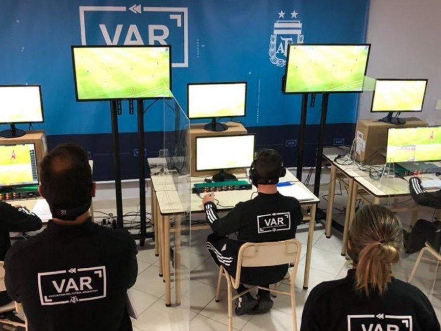 El VAR se usará en el fútbol argentino a partir del próximo torneo.