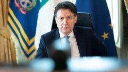 El primer ministro de Italia, Giuseppe Conte, anunció este martes un paquete de compensaciones para las empresas golpeadas por el coronavirus, que llegará hasta los 150.000 euros por firma.